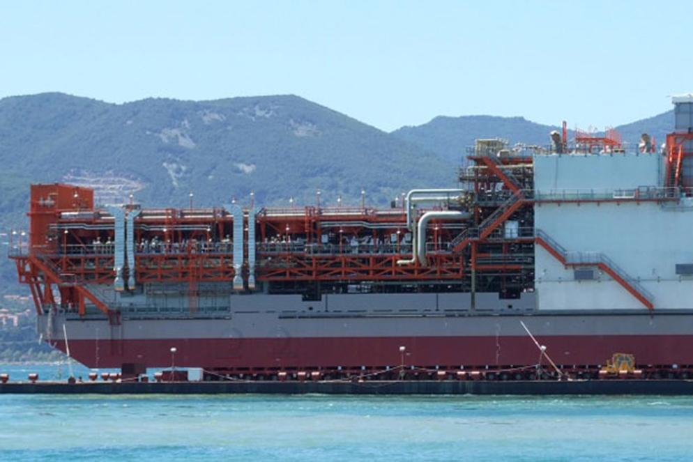 impianti su piattaforma petrolifera