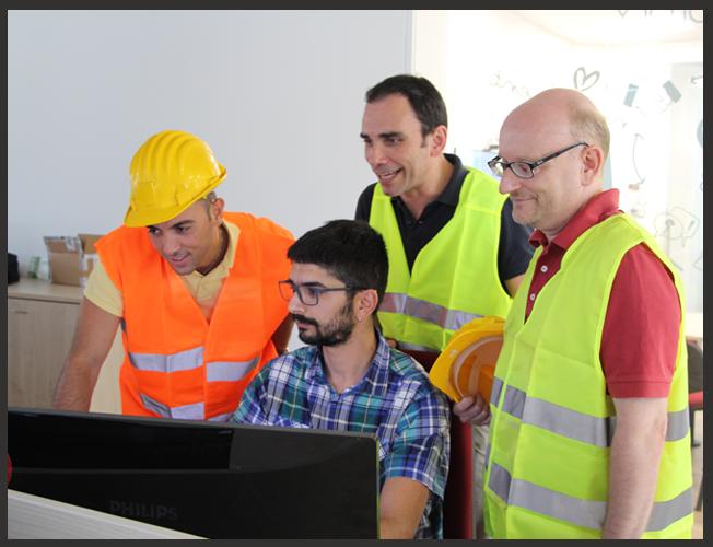 Impiantisti che parlano con il Team Sviluppo di Perfetto